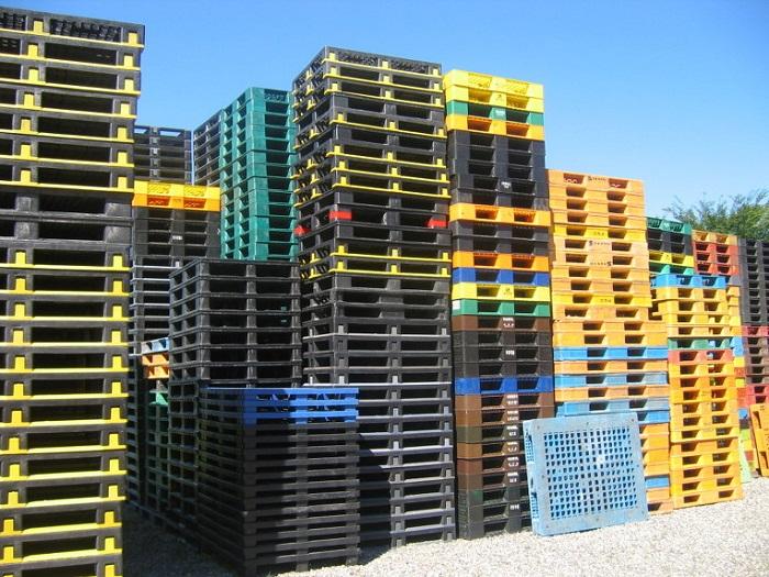 Thu mua Pallet nhựa nguyên khối giá cao